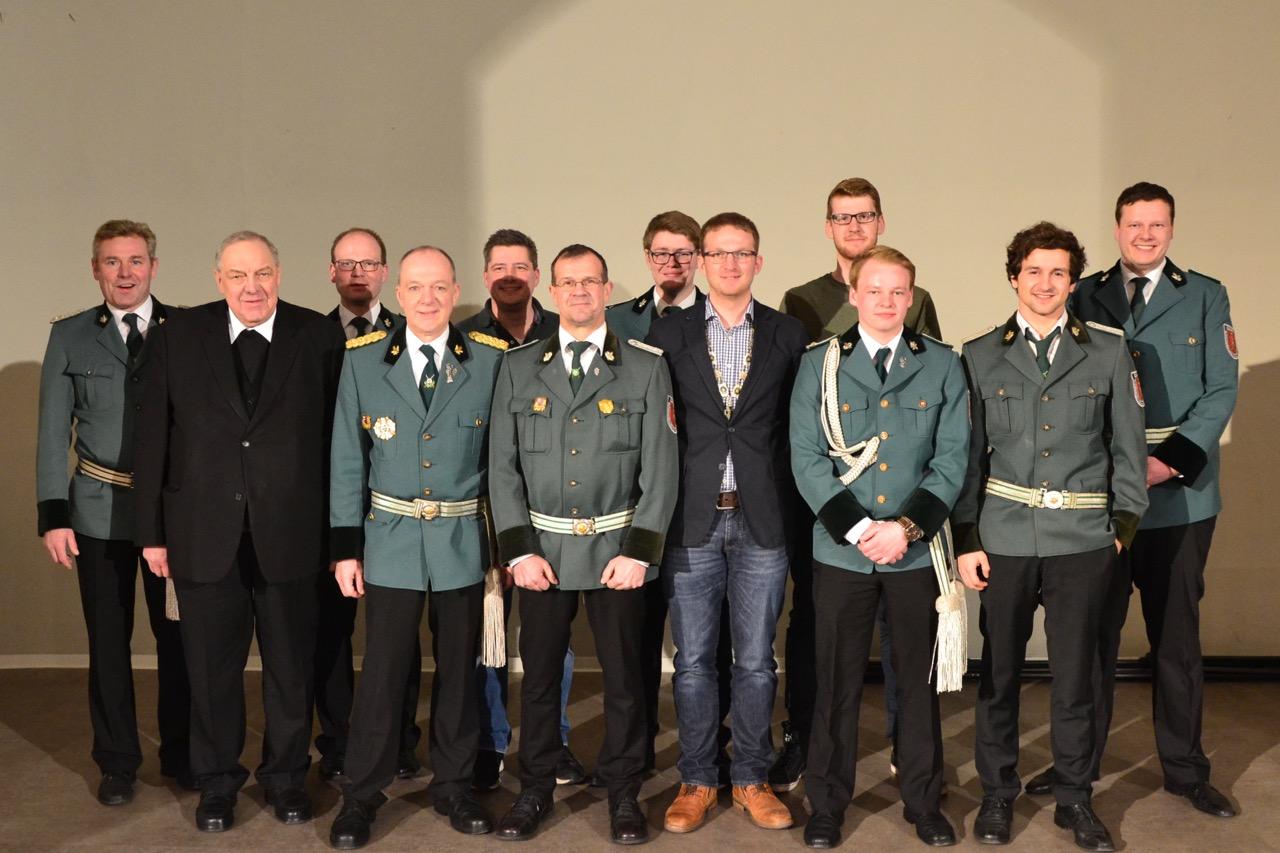 Oberst Andreas Kaiser Mit Stehendem Applaus Verabschiedet
